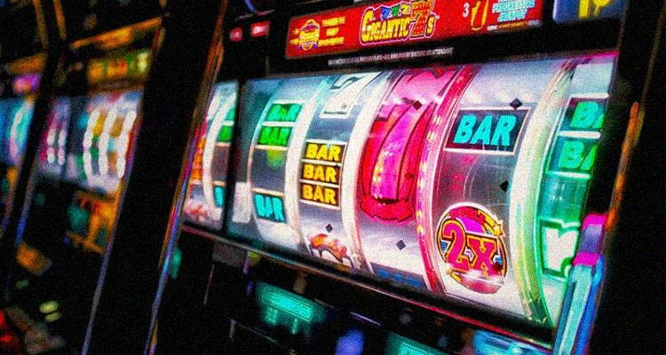 How to play casino slots and get some profit for yourself